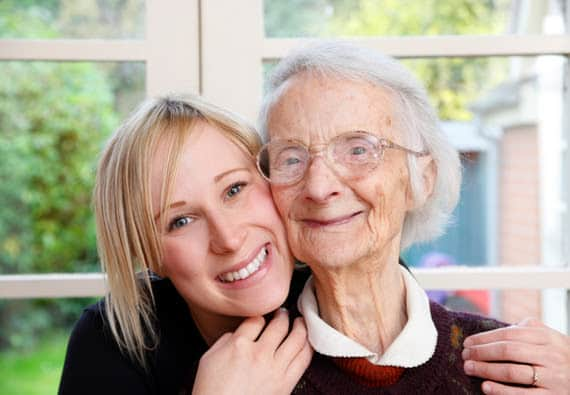 4 essential tips to engage with the elderly